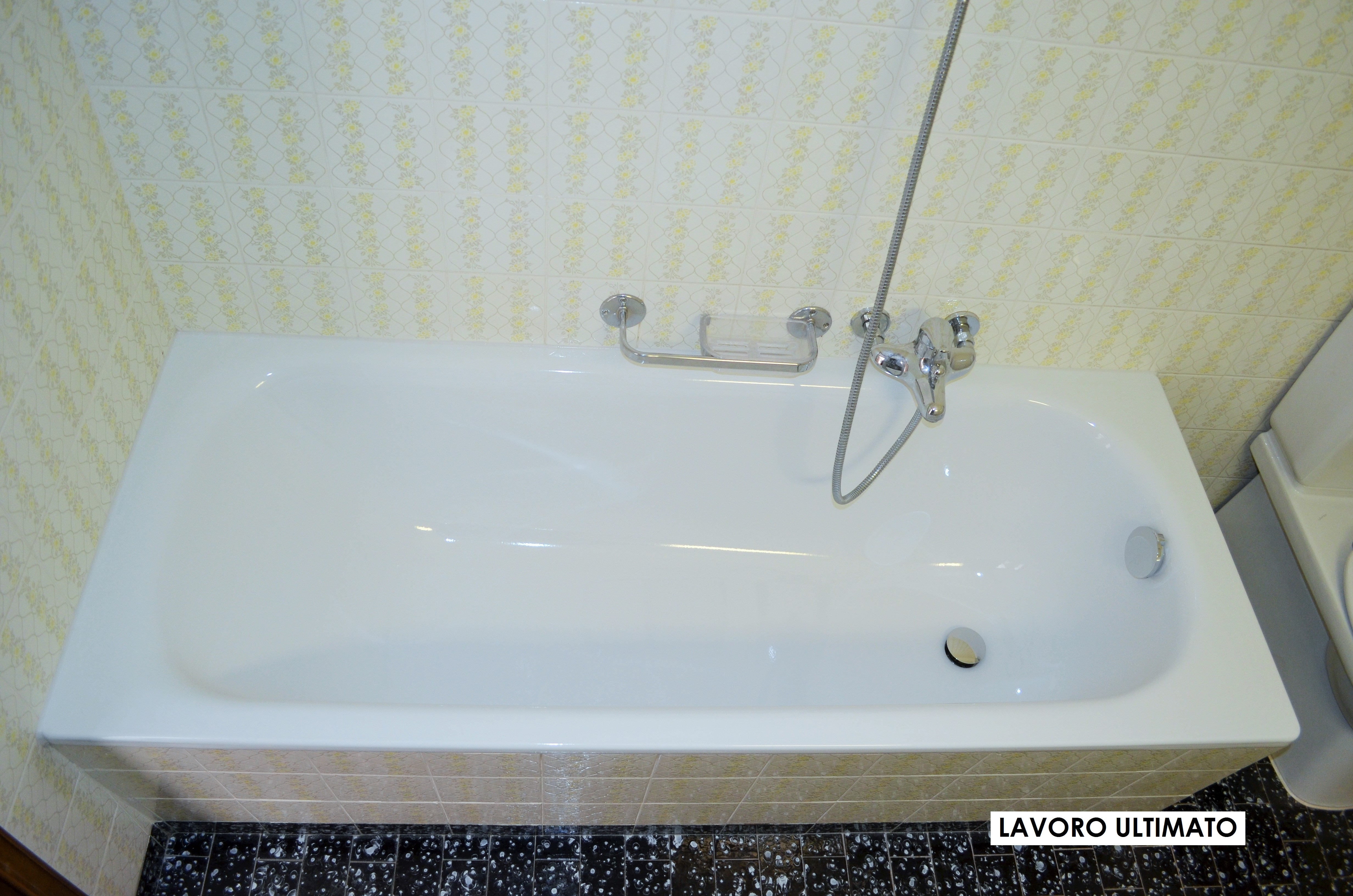 Posa di una nuova vasca su misura marca kaldewei in - Vasche da bagno su misura ...